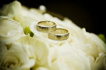 nase prstienky..moja oblubena fotka :)