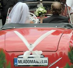 nase krasne svadobne auto s vodicom p Lunterom zo Svitu