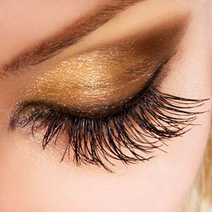 Saty, vlasy, nechtiky, make-up - Woman eye