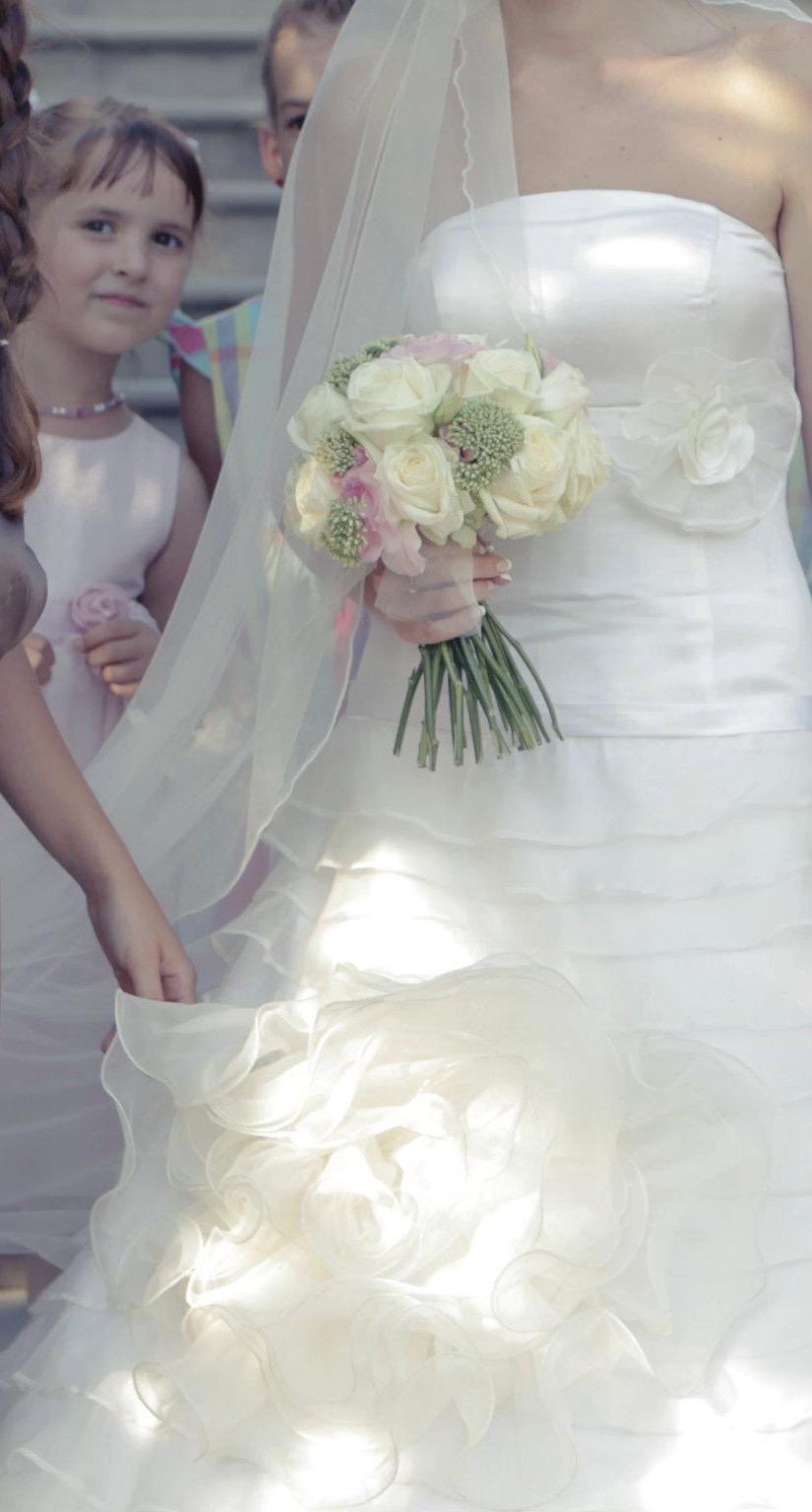 Hodvábne svadobné šaty s doplnkami (36-38) - Obrázok č. 2