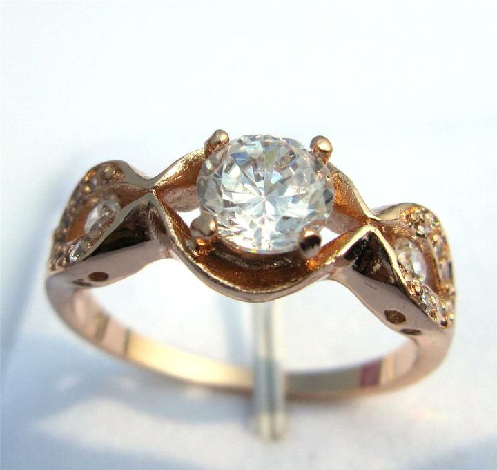 Zasnubne prstene na inspiraciu - Obrázok č. 48