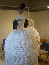 Šaty z mušlí :)