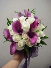 tak to je má vysněná kombinace,ale obráceně tj. lila růže a bílé kaly