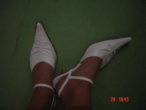 líbí se mi pásky kolem nohy