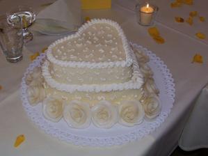 ... a tady taky krásný a chutný dortík