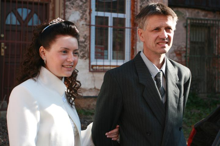 Dominika Knobová{{_AND_}}Jiří Kolář - S ocinom..čakanie na kyticu od ženícha