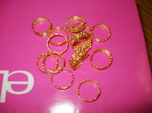 zlaté prstýnky do krabiček s výslužkami - 50 ks