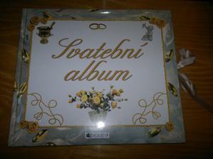 tak tohle svatební album jsem měla doma už hodně dlouho :), předvyplněné a vkládají se tam fotky a vzkazy atd :)