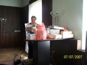 svatební dary  bylo jich mnoho, ty největší už jsme měli doma