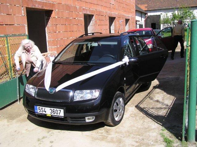 Žirafka{{_AND_}}Standa - Ozdobena auta