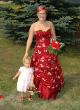 Moje svědkyně Alča s dcerkou Sofinkou - děkuju moc:-)
