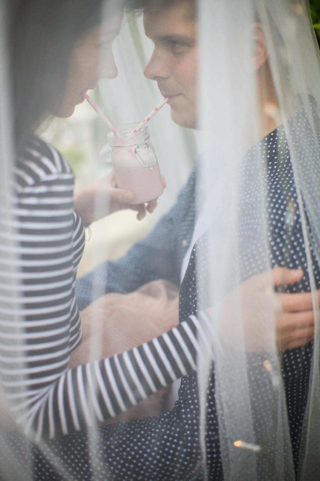 Naše handmade  foteníčko :) zatial ako snúbenci - Obrázok č. 33