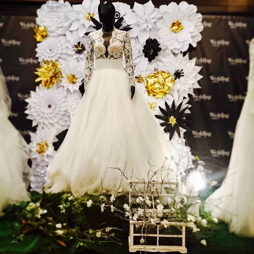 Jedna, z výstavy Perfect wedding a stánok Wedding Avenue...a moje šatkyyy:) Boli ste niekto mrknúť? - Obrázok č. 1