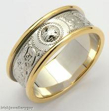 a vysnene snubni prsteny