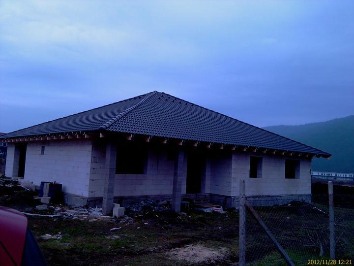 Náš nový domček - Strecha dokončená.....