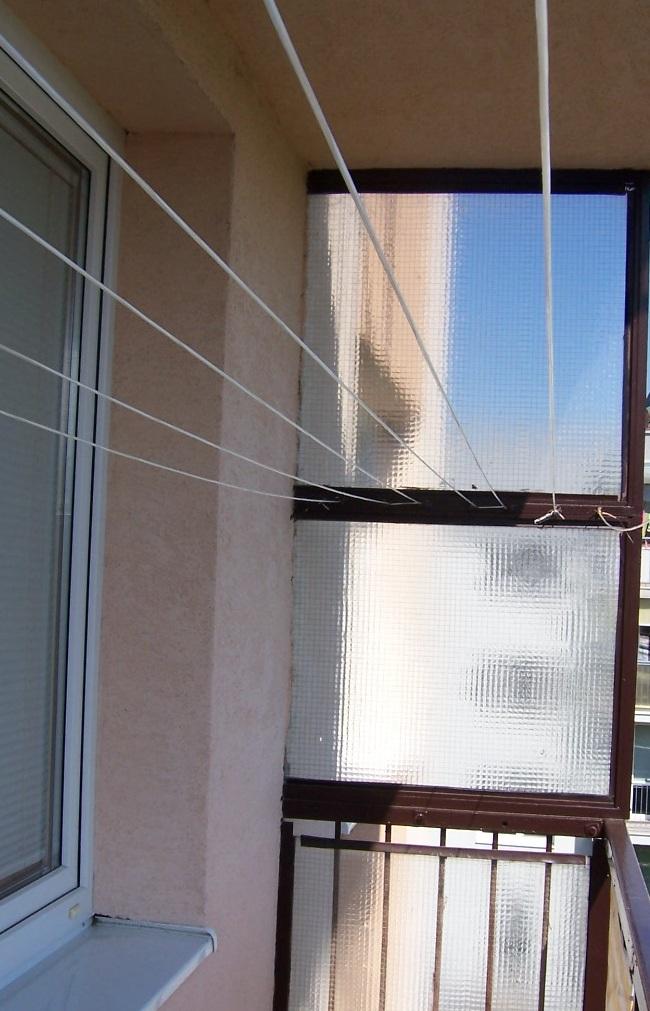 kovový sušiak na balkón - Obrázok č. 1