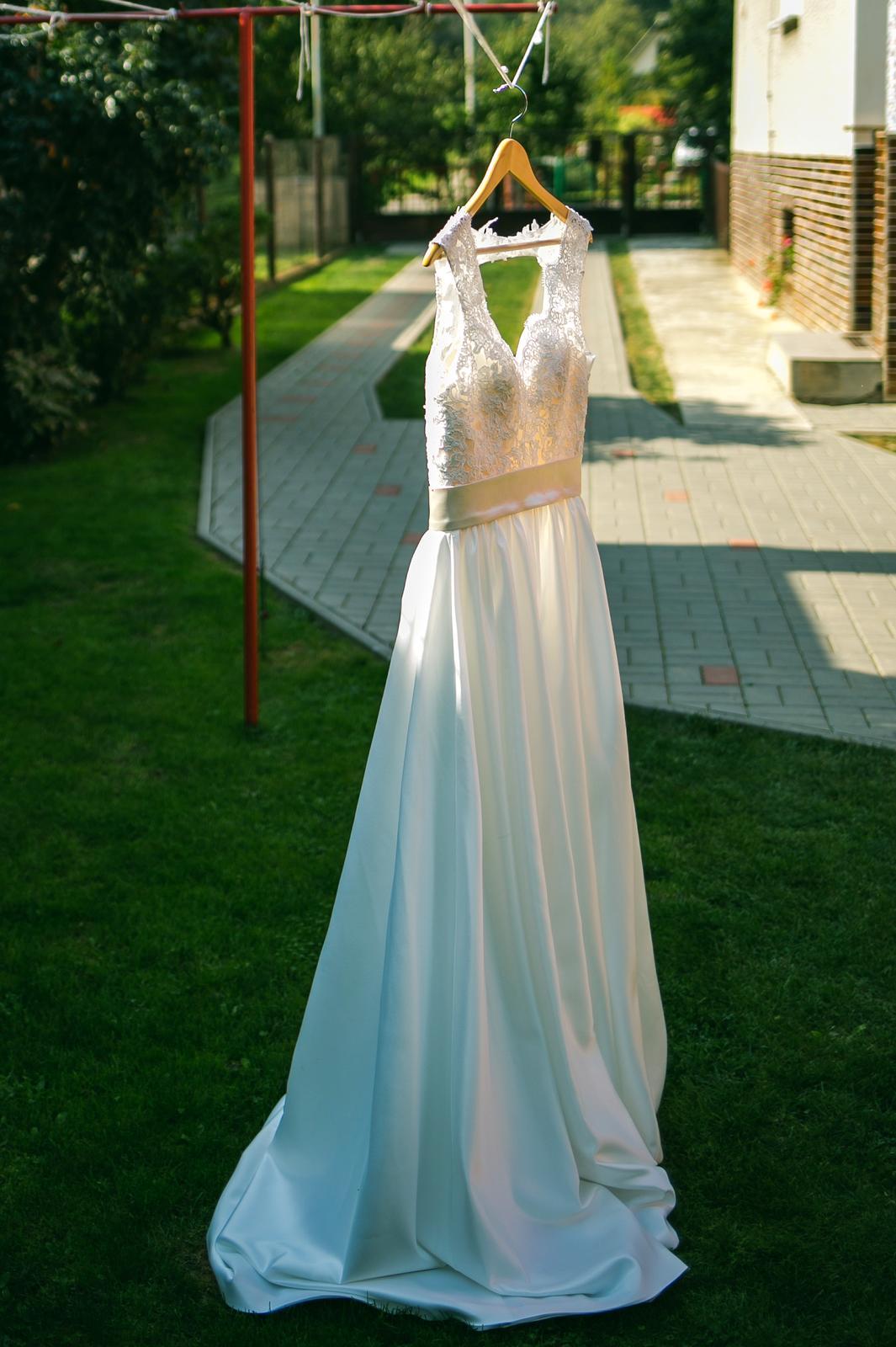 Svadobné šaty so saténovou sukňou-veľ. 36/38 - Obrázok č. 1