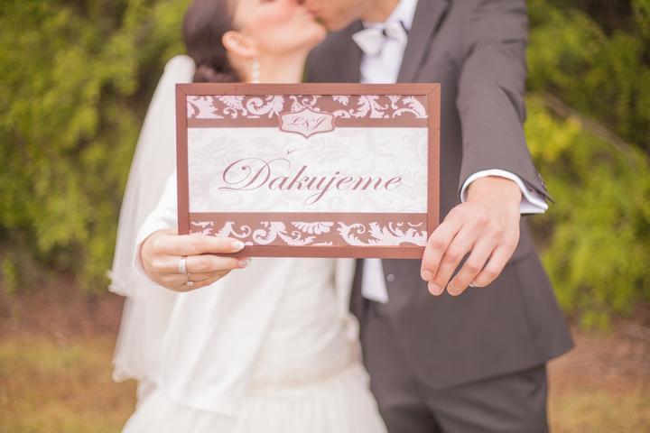 Lucia Dugovičová{{_AND_}}Jozef Vadovič - Naše veľké ďakujeme všetkým, ktorí sa zaslúžili o výnimočnosť nášho svadobného dňa - photo by Peter a Veronika Velickí (www.peterandveronika.com)