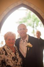 Ženích s maminkou...