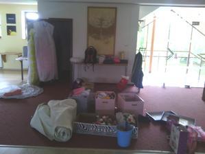 Tak jsme se nastěhovali do salónku... :D