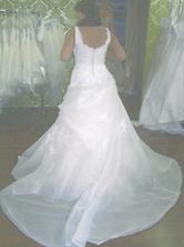 1. šaty - zezadu