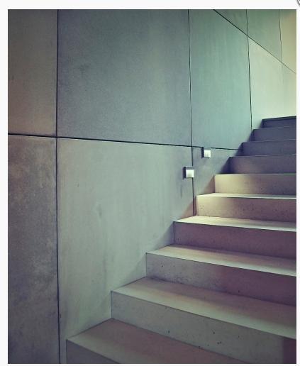 poznate nejaku firmu ktora robi obklad schodov z betonu? nasla som iba firmu renit ale chcela by som este najst nejaku inu na porovnanie cenovej ponuky ale nejako sa mi nic ine nedari najst. dakujem - Obrázok č. 1