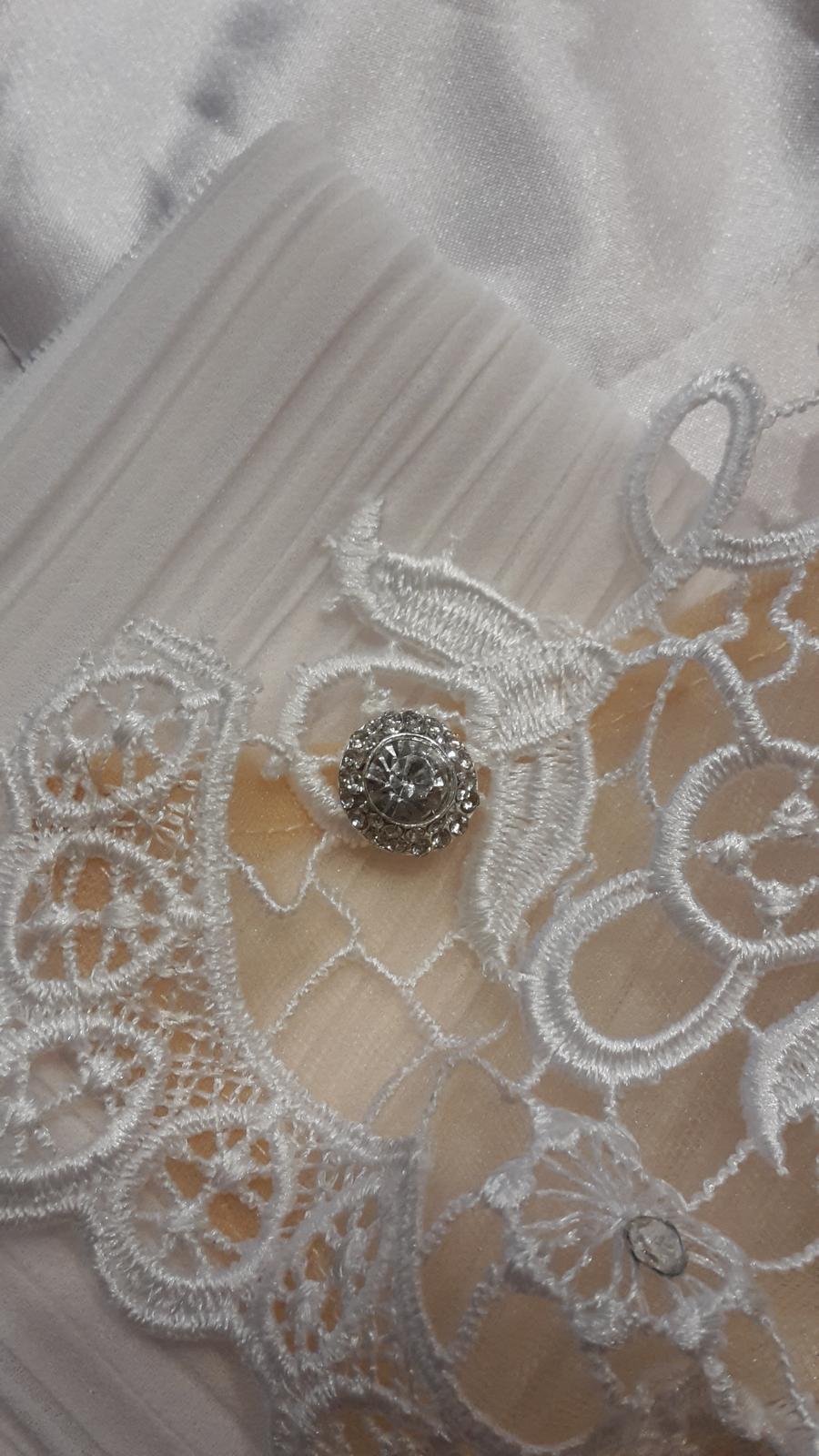 Jednoduche svadobne šaty - Obrázok č. 2