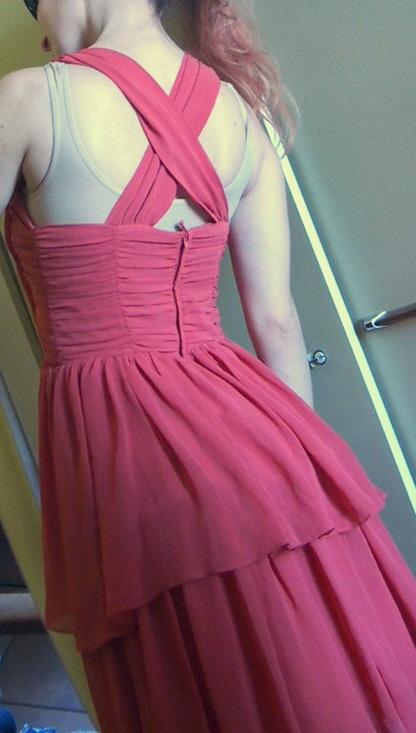 H&M Lososové volánové šaty s prekríženými ramienka - Obrázok č. 2