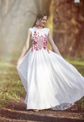 Atelier De Couture Jedinečné vyšívané folkové šaty - Obrázok č. 1