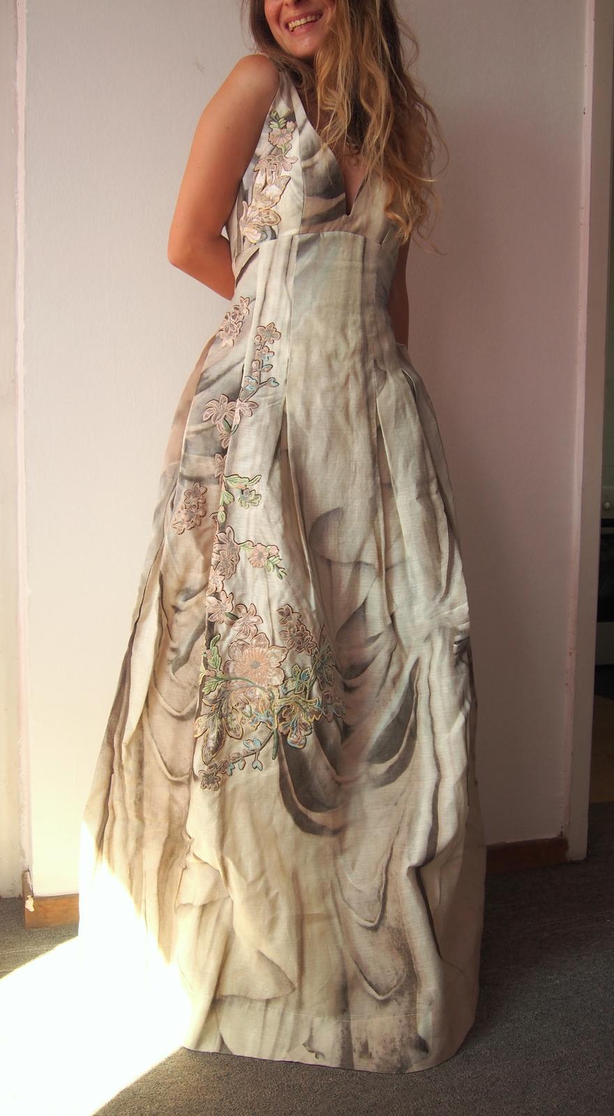 Dokonalé spoločenské svadobné boho šaty Hodváb+ľan - Obrázok č. 1