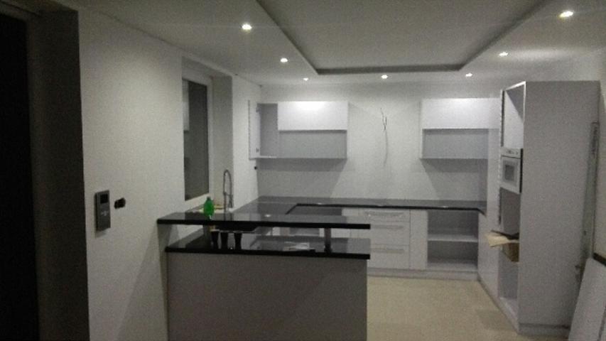 Kuchyňa :) - konečne svietime :)