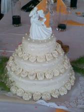 a měli krásný a výborný dort - pekla moje maminka, snad se ten náš taky tak povede