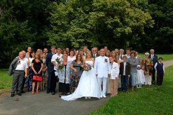 svatebčanů bylo hodně a na oslavě jěště víc :)