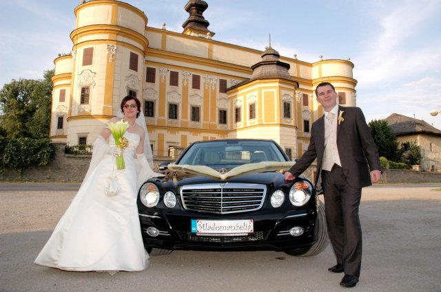 Vladimira Sertlova{{_AND_}}Marian Kosik - Nase nove byvanie a auto