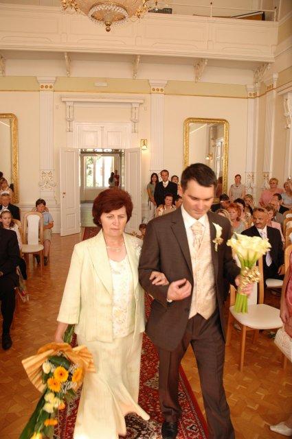 Vladimira Sertlova{{_AND_}}Marian Kosik - prichadza ON s mamkou