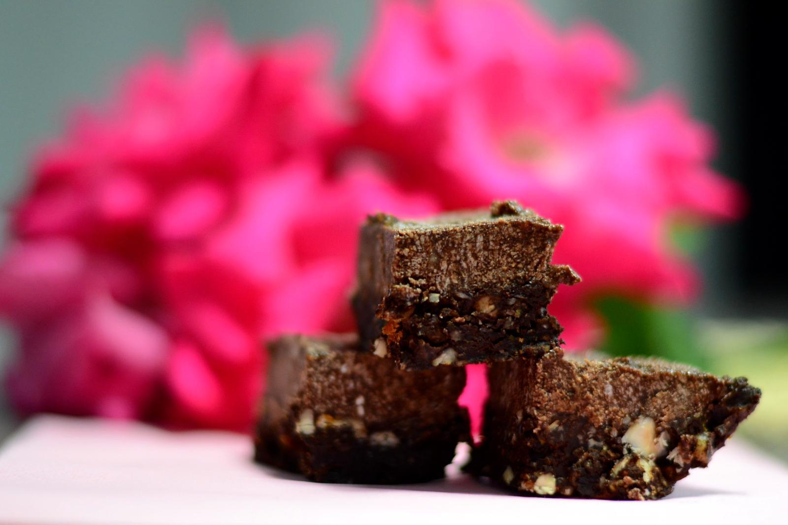 Upečeno a uvařeno u nás doma - RAW čokoládové kostičky