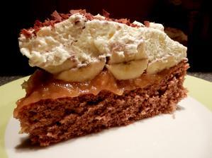 Banánovo-karamelový dort se šlehačkou