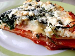 Lasagne se špenátem, rajčaty a ricottou
