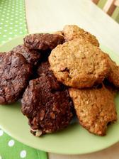 sušenky z celozrnné mouky a avokáda - čokoládové a oříškové