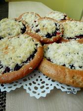 Borůvkové kynuté koláče
