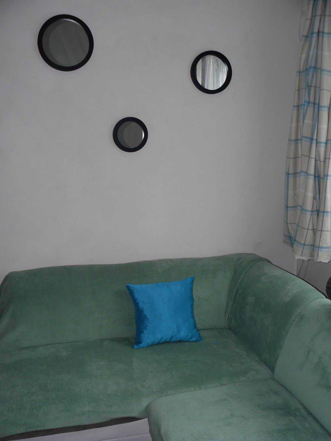 Domov 2020 - sedačka v mátové barvě