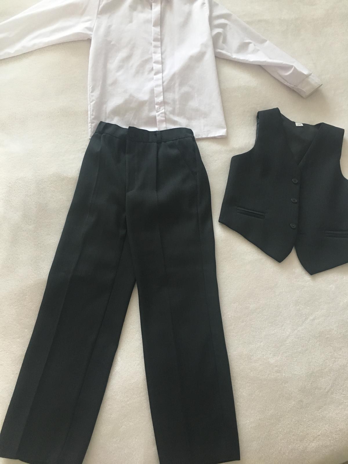 Kalhoty s vestou a kosile - Obrázek č. 1