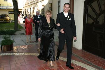 Môj mužíček so svojou maminou Vierkou :)