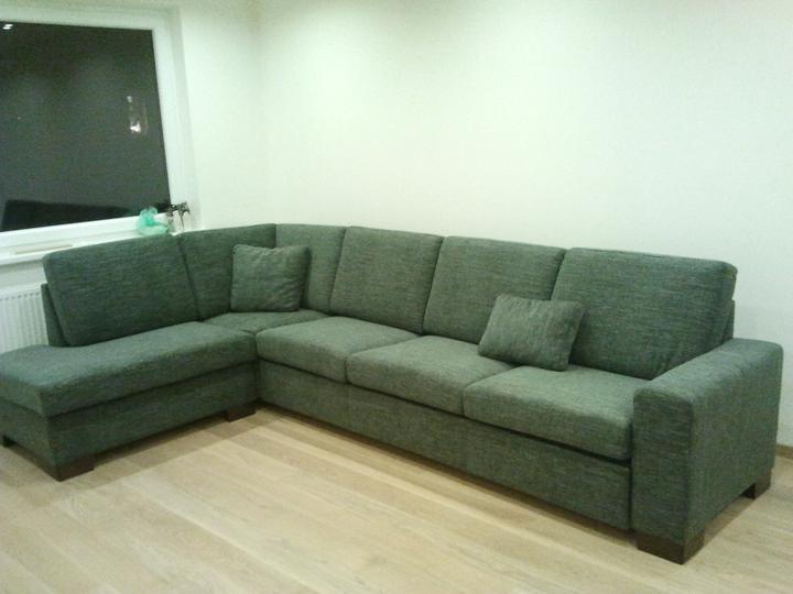 Čo už máme - náš nový gauč. zatiaľ len foto z mobilu