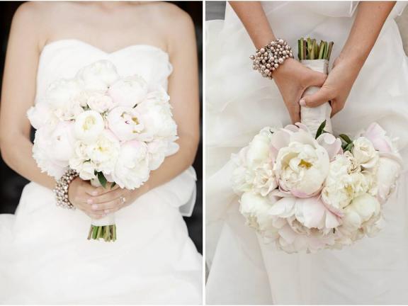 Nasa vysnivana svadbicka :) - kyticka z pivoniek :)