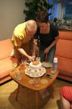dort jsme načali až dva dny po svatbě na dojídačce, na svatbě nebyl čas!!!