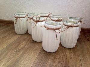 Vyrábějí se lucerny :)