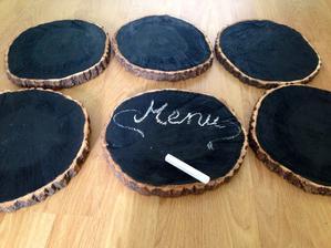 Tabule vyrobeny z koláčů dřeva :)