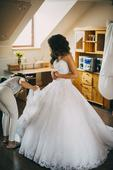 Svadobné šaty MoriLee s vlečkou. , 36