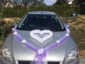 Dekorace na auto ženicha a nevěsty ,